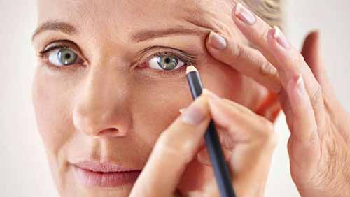 6 Emergency Makeup Tips For Older Women! Get Youth Look Now